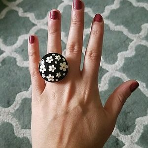 MARC JACOBS Daisy Black Gold Ring Size 7